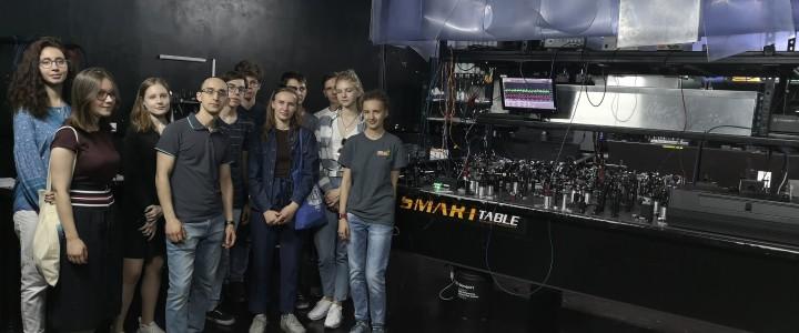 Студенты ИФТИС и МФТИ на экскурсии в Российском квантовом центре