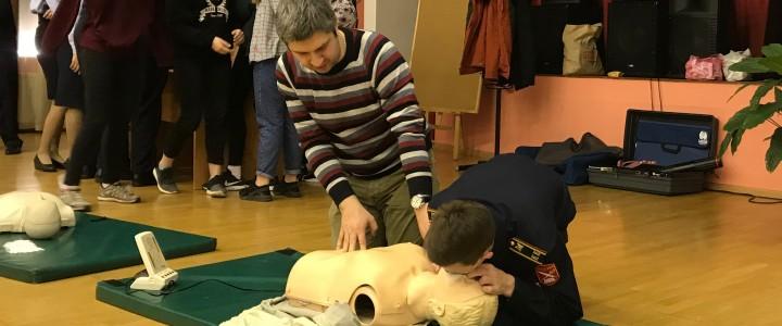 М.Г. Коломейцев провёл семинар для школьников по базовой сердечно-лёгочной реанимации