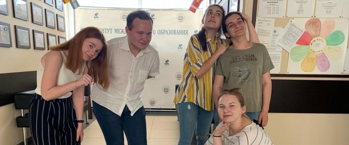 Студенты  ИМО готовы встречать будущих первокурсников