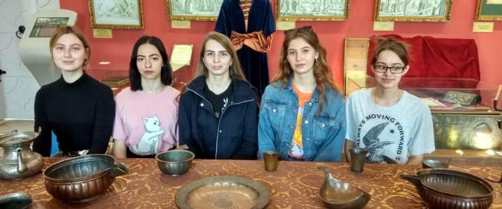 Студенты МПГУ описывали средневековые рукописи в костромском Ипатьевском монастыре