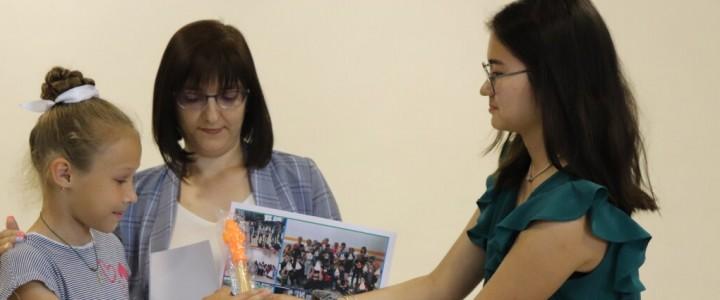 Интервью с вожатыми Всероссийской школы вожатых и окружных координационных центров: Акмурзинова Амина (г. Новосибирск)