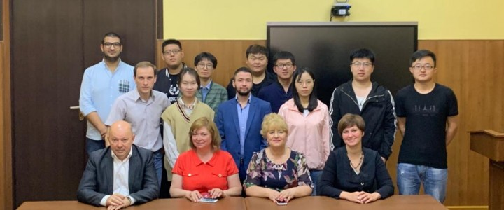 Летние курсы Института филологии для студентов Хэбэйского университета иностранных языков