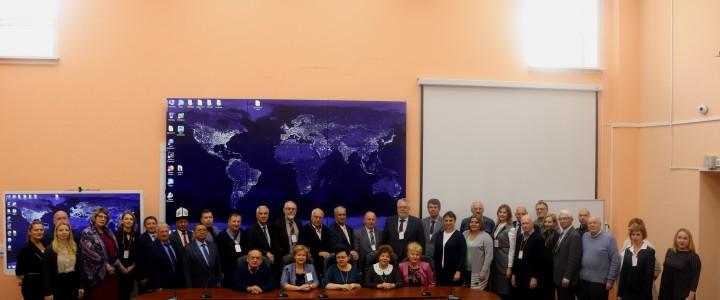 Директор Института С.Д.Каракозов и зав. кафедрой ТМОМИ Л.Л.Босова выступили на Международной конференции