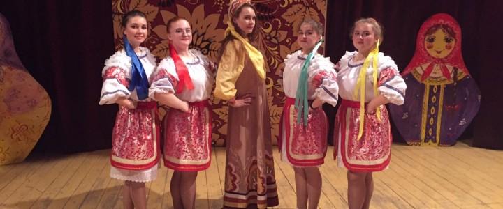 12 октября 2019 года студенты ПФ МПГУ приняли участие в праздничном городском концерте «Покров день», который состоялся в Покровском Доме Ученых
