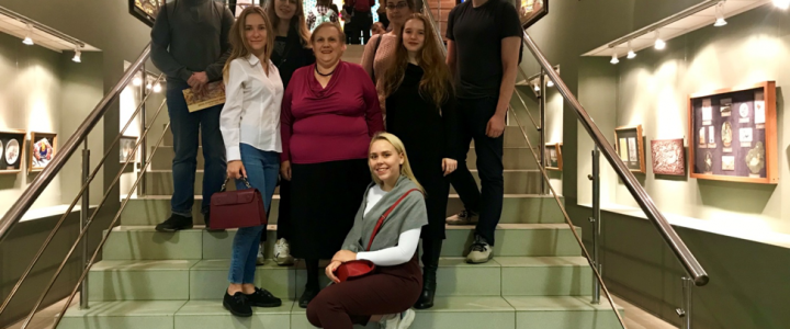 В «День учителя» студенты ХГФ ИИИ МПГУ интересно и с пользой провели профессиональный праздник
