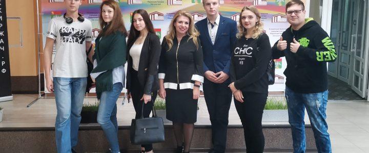 19 октября 2019 года студенты 1-го курса Покровского филиала МПГУ приняли участие в интеллектуальной образовательной игре (брейн-ринг) среди молодежных команд региона
