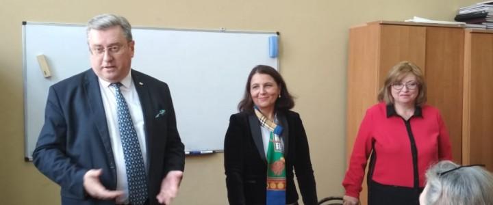 Ректор представил новую заведующую кафедры русского языка