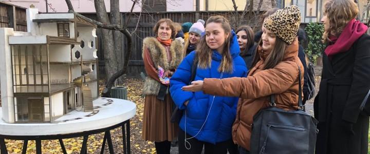 Студенты Факультета дошкольной педагогики и психологии изучают образовательную среду города