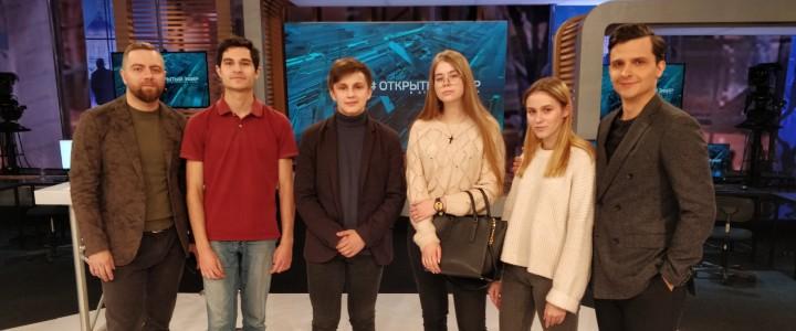 Студенты Института журналистики, коммуникации и медиаобразования в программе «Открытый эфир» на телеканале «Звезда»