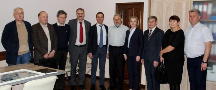 Преподаватели Института биологии и химии и географического факультета поздравили коллег и студентов ОГПУ со 100-летием