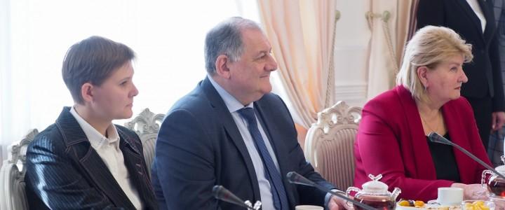 Встреча Губернатора Ставропольского края В.В. Владимирова с представителями штаба общественной поддержки