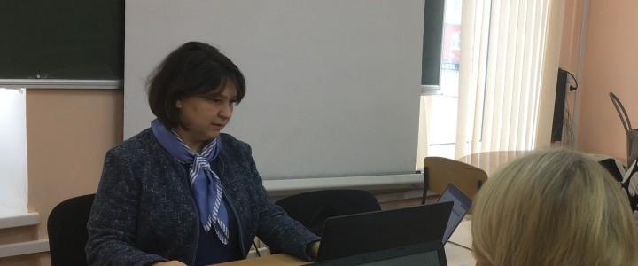 В.Г. Маняхина провела семинары в Надыме для учителей информатики