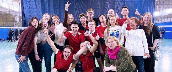 Сборная ИЖКМ по волейболу первая в группе