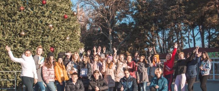 Студенты Анапского филиала МПГУ приняли участие спортивном марафоне «Молодёжное утро»!