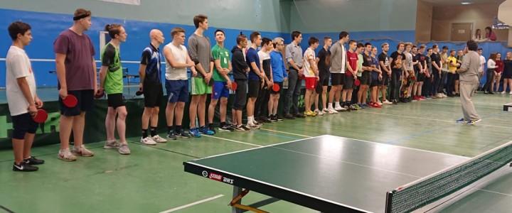 Турнир по теннису: движемся вперед!