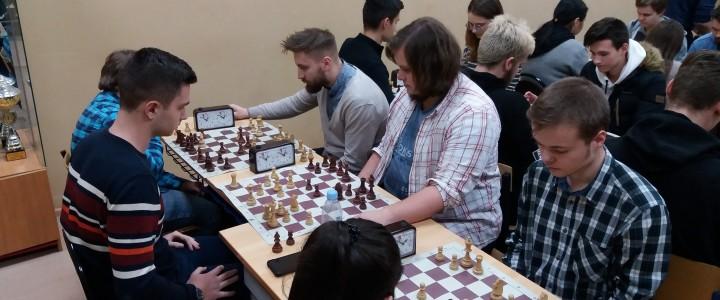 Географический факультет – победитель турнира по быстрым шахматам