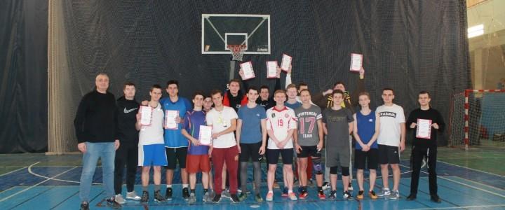 Завершился мужской чемпионат ИФКСиЗ по баскетболу