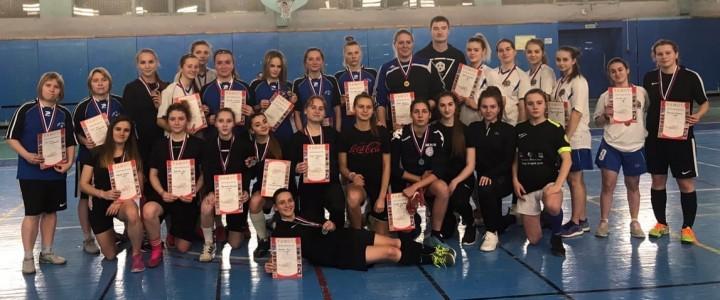 Завершился женский Чемпионат ИФКСиЗ по мини-футболу среди девушек