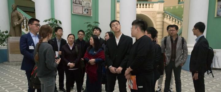 Экскурсия для делегации университета Цинхуа (КНР)