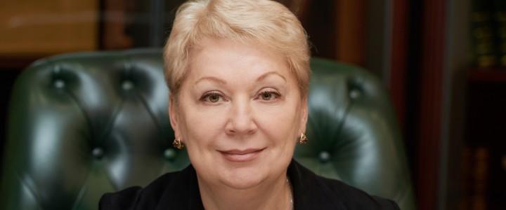 Министр просвещения Российской Федерации отмечает юбилей