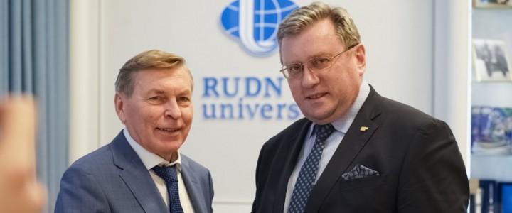 Алексей Лубков поздравил ректора РУДН с юбилеем вуза