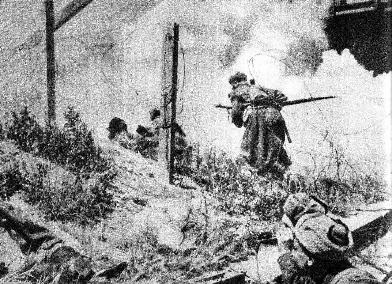 Советские войска в бою на подступах к Вене