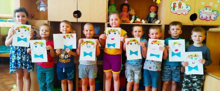 Виртуальная выставка детских творческих работ «Детский летний вернисаж»