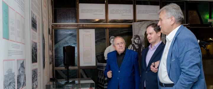 «Женитесь на курсистках»: совместный выставочный проект   Государственного Дарвиновского музея и МПГУ