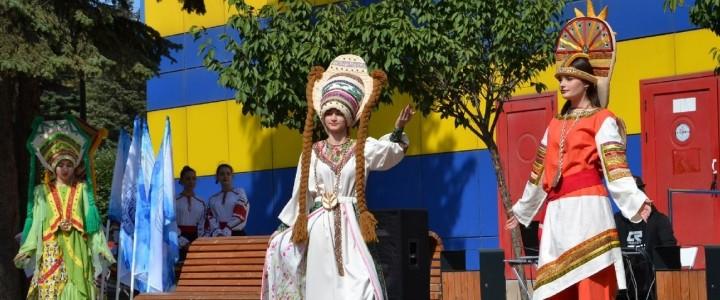 «С днём рождения, город мой!»: Ставропольский филиал МПГУ принял участие в праздничных мероприятиях, посвящённых Дню города и края