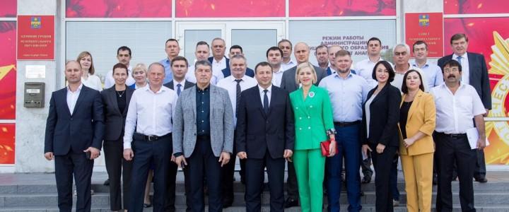 Директор Анапского филиала МПГУ принял участие в первой сессии Совета муниципального образования четвертого созыва