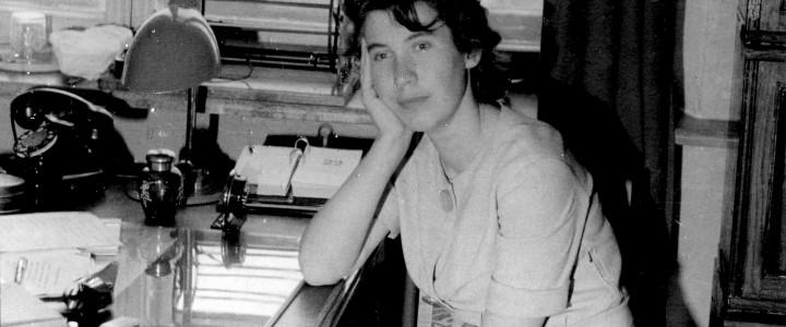 9 октября на 88-ом году жизни ушла из жизни доктор физико-математических наук, профессор, заведующая кафедрой теоретической физики (1972-1990) Татьяна Никитична Болотникова