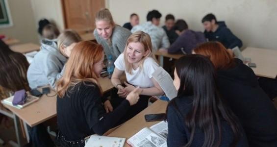 21 октября 2020 года студенты и преподаватели Покровского филиала МПГУ посетили МБОУ СОШ № 2 города Покров