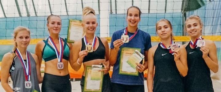 Студентки МПГУ Елизавета Терентьева и Анна Бубнова успешно выступили на турнире по пляжному волейболу