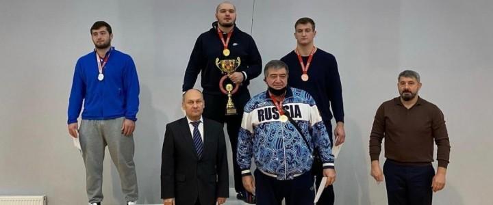 Кантемир Шибзухов занял 2 место на чемпионате Москвы по Греко-Римской борьбе