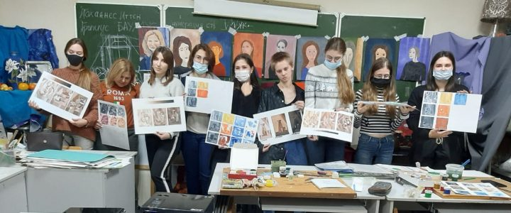 Члены студенческого научного кружка«Актуальные направления в дизайне» кафедры социально-гуманитарного образования и дизайна продолжают совершенствовать свои профессиональные навыки
