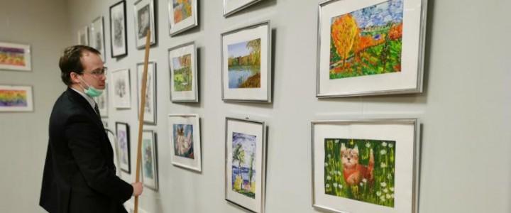 Открывается конкурс-выставка художественных работ студентов факультета начального образования Института детства «Лики творчества»
