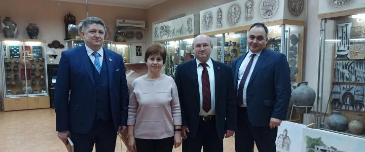Алексей Лубков поздравил ректора Луганского государственного педагогического университета со 100-летним юбилеем вуза