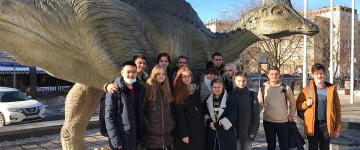 Экскурсия в Дарвиновский музей студентов Колледжа МПГУ