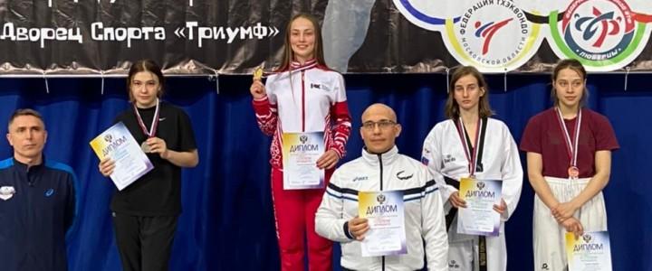 Карпинская Эвелина заняла 3 место на Всероссийских соревнованиях среди студентов по тхэквондо в весовой категории 57 кг