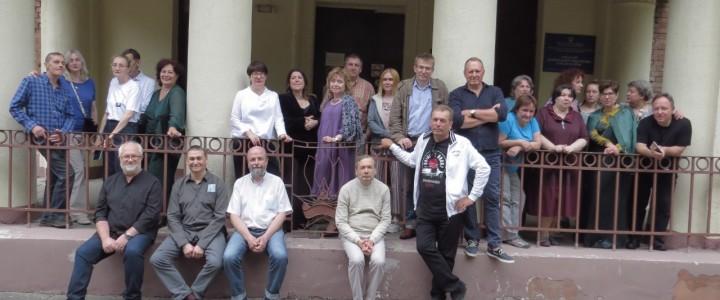 30 лет спустя: встреча выпускников Худграфа 1991 г. в корпусе Факультета дошкольной педагогики и психологии