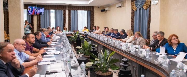 Профессор С.Д. Половецкий принял участие в заседании Экспертного совета Всероссийской долгосрочной программы  «Школьный Музей Победы»
