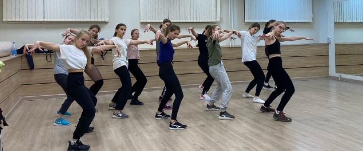 Открытие танцевальной студии «Гравитация» в Институте детства