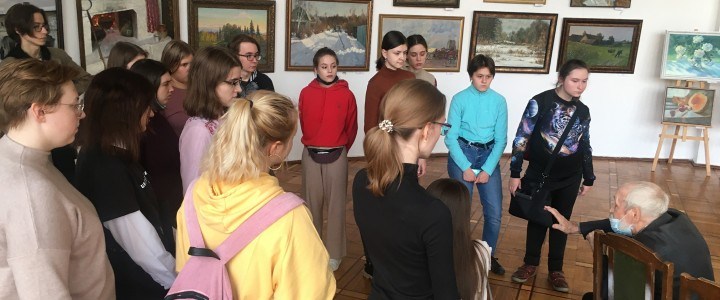 Студенты ХГФ на выставке к 80-летию факультета в ЦДРИ