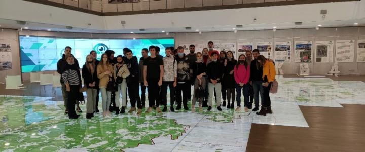 Экскурсия студентов Колледжа МПГУ на VI Всероссийский Фестиваль «Городское пространство взгляд будущих градостроителей»